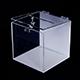 Plexisklová kasička v kominaci bílého a čirého plexiskla