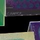 Detailní záběr na kombinaci barevného potisku a laserové gravírování